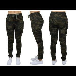 Galaxy by Harvic Women's Loose-Fit Camo Joggers